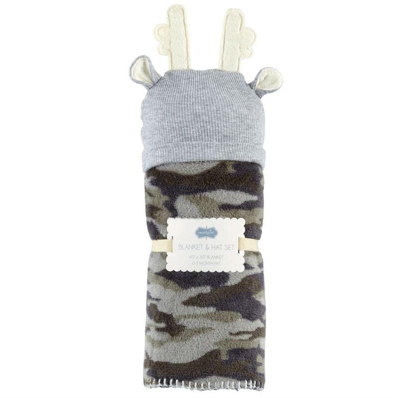Camo cap and fleece blanket 2