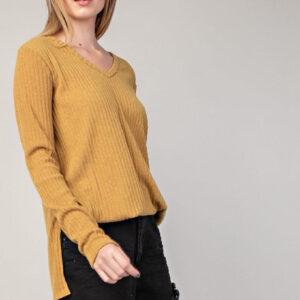 Rib v-neck side slit knit top